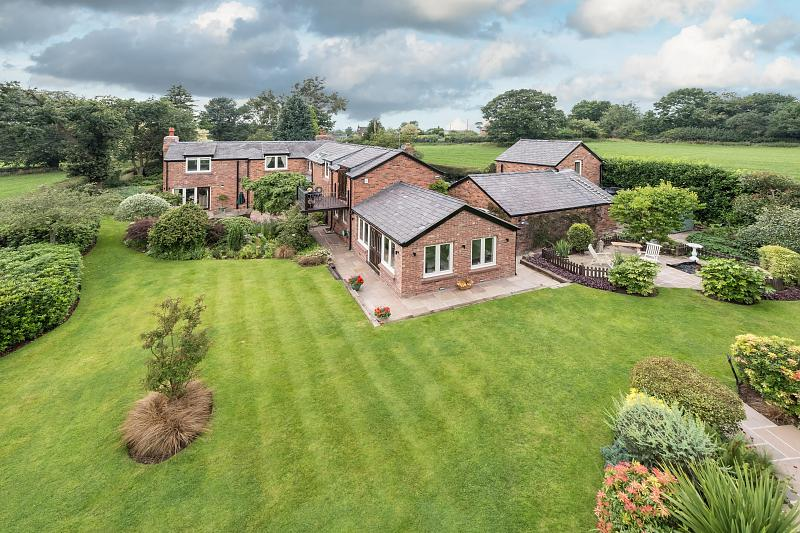 6 bedroom  Detached House for Sale in Willington