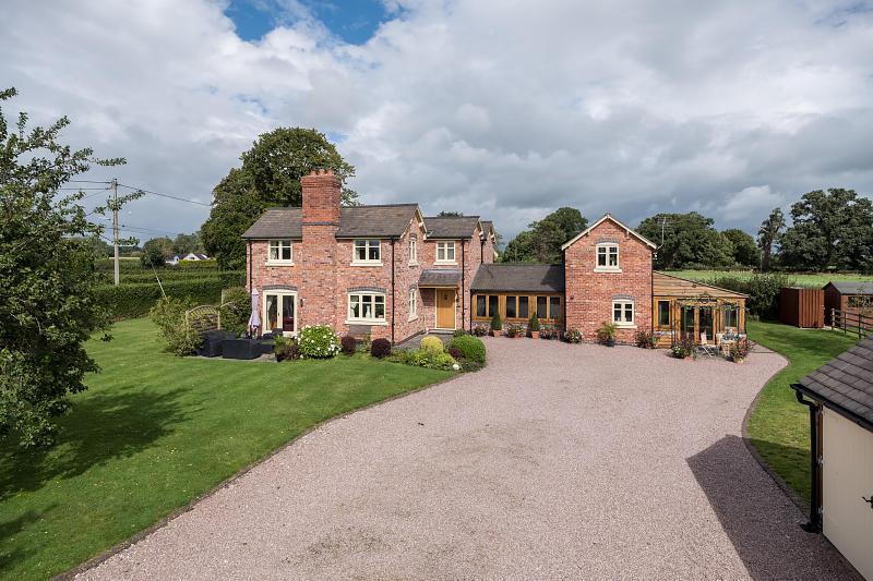 5 bedroom  Detached House for Sale in Wrenbury Heath