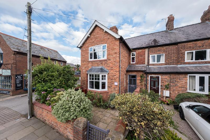 3 bedroom  End Terrace House for Sale in Tarporley