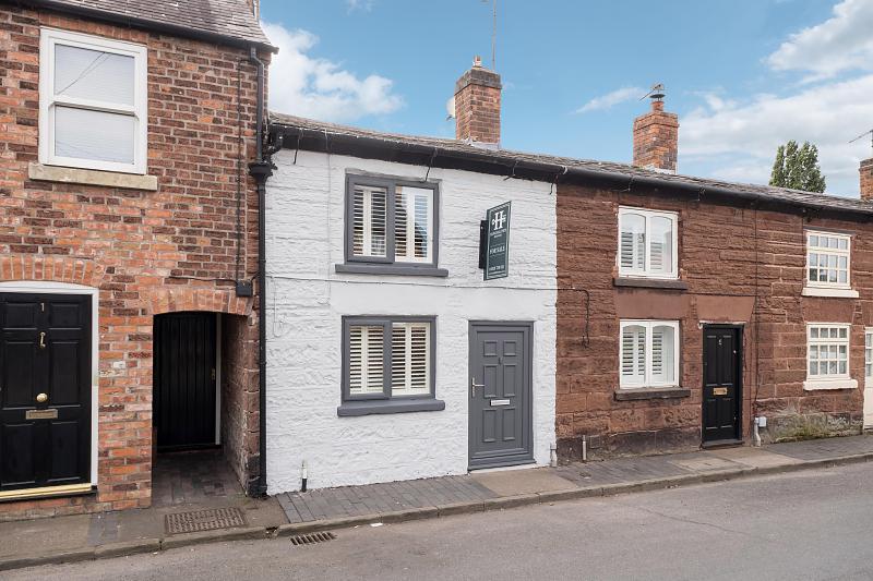 2 bedroom  Terraced House for Sale in Tarporley