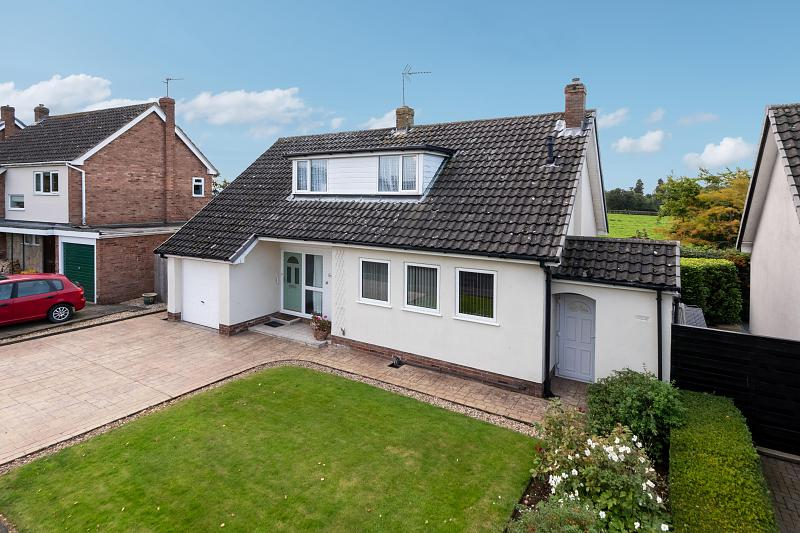 3 bedroom  Detached House for Sale in Tattenhall