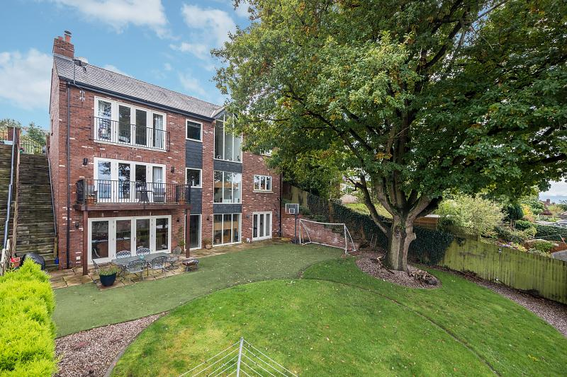 5 bedroom  Detached House for Sale in Kelsall