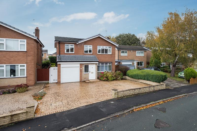 4 bedroom  Detached House for Sale in Barnton