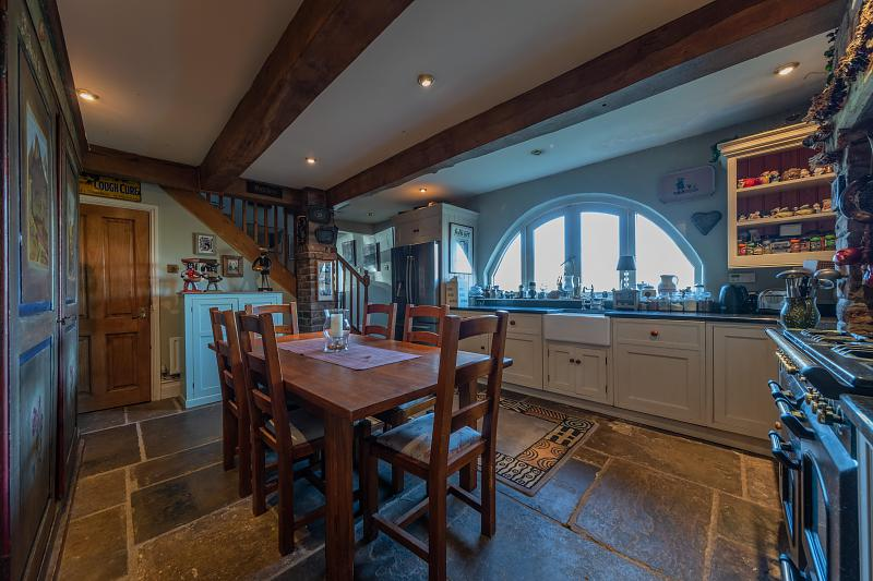 2 Bedroom Detached House For Sale In Cotebrook Hinchliffe Holmes