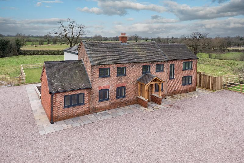 4 bedroom  Detached House for Sale in Burland
