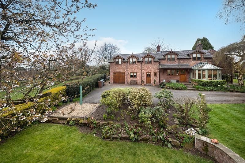 4 bedroom  Detached House for Sale in Bunbury