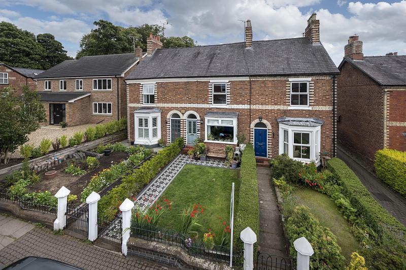 3 bedroom  Terraced House for Sale in Tarporley