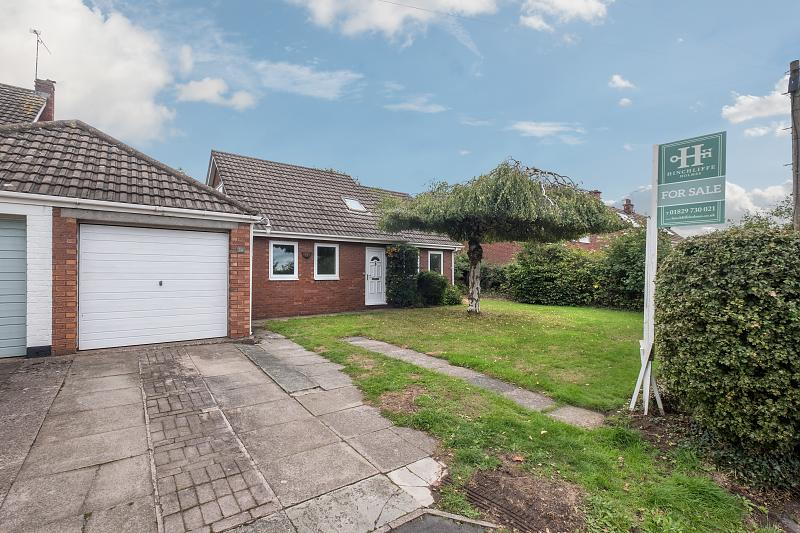 2 bedroom  Detached House for Sale