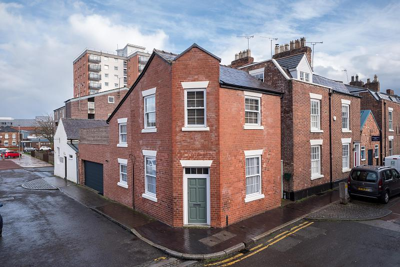 2 bedroom  Link Detached House for Sale in Chester