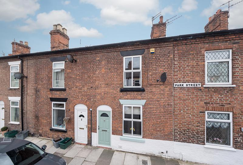 2 bedroom  Terraced House for Sale in Northwich