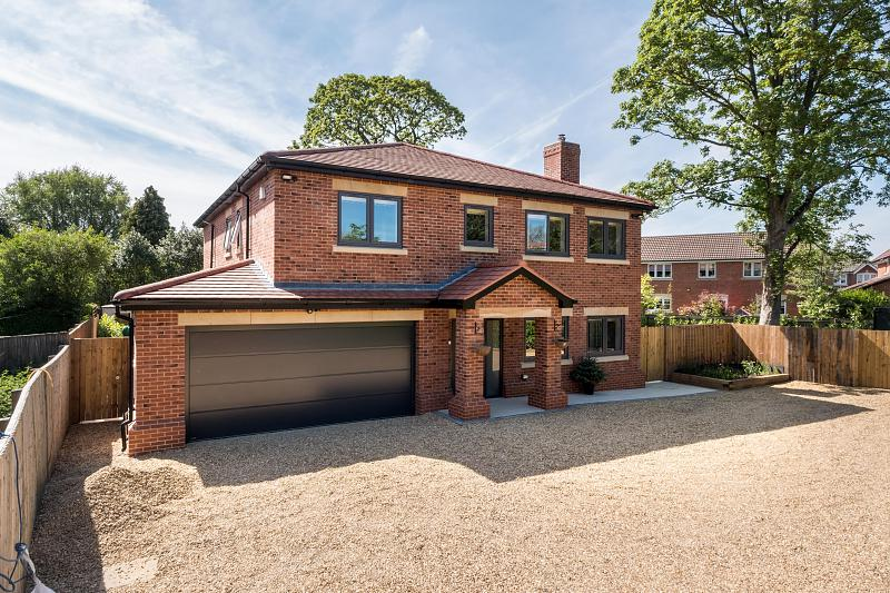 5 bedroom  Detached House for Sale in Northwich