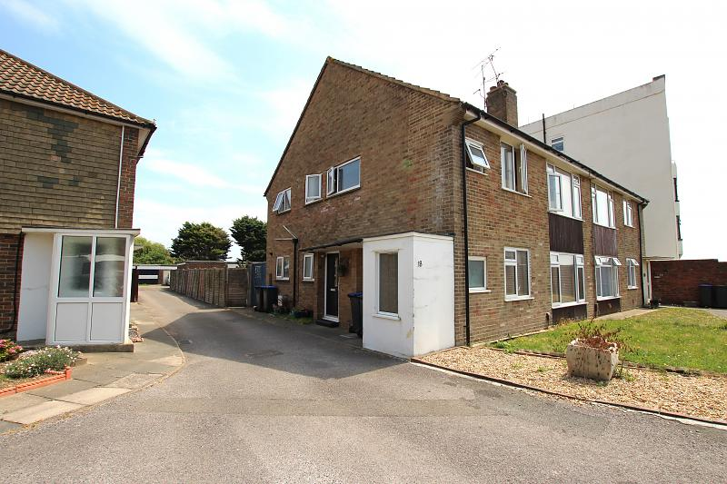 18 The Court, Brougham Road,
