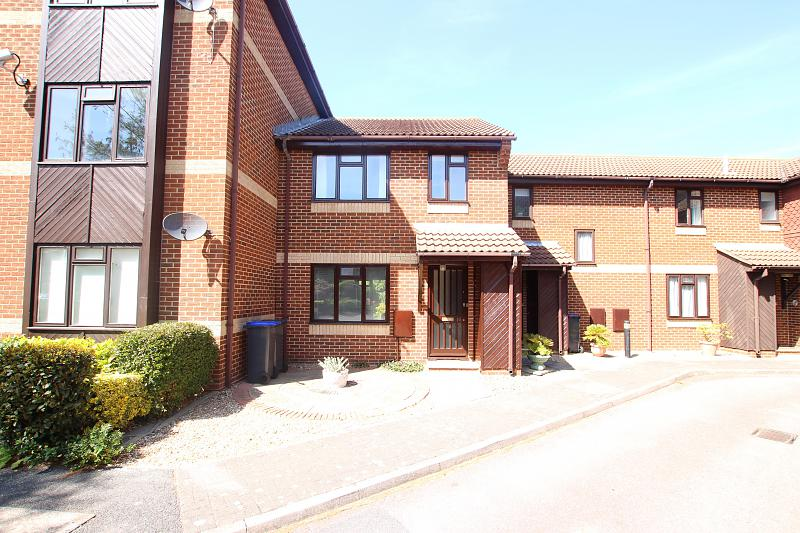 10 The Courtyard, St. Botolphs Road,