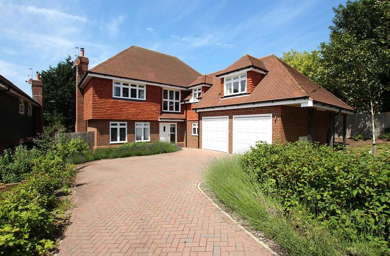 2 Paddock Place, Soldiers Field Lane, Findon