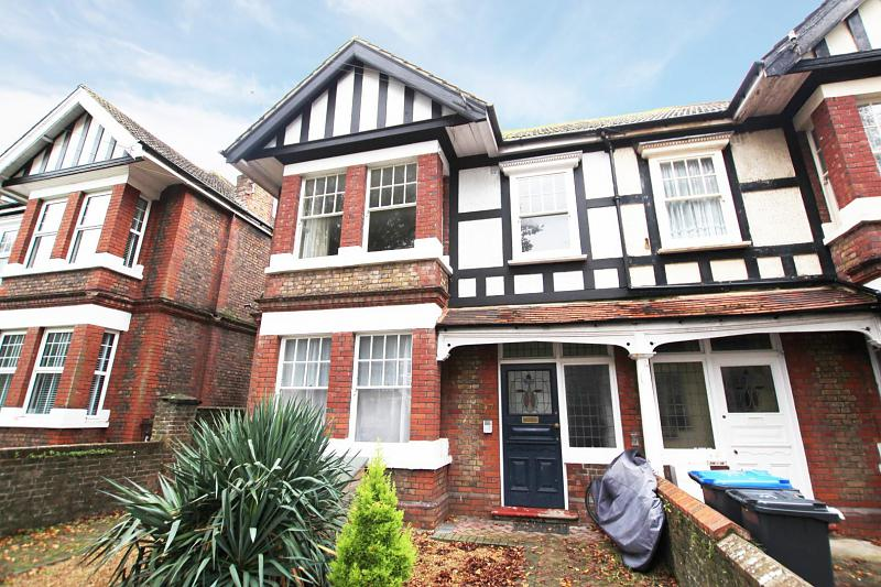 Flat 2, 37 Shakespeare Road, ,